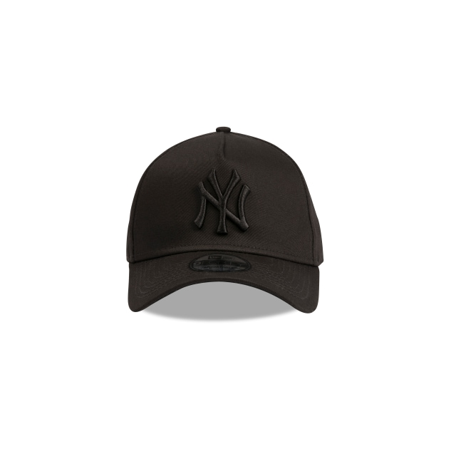 NEW YORK YANKEES BLACK ON BLACK 9FORTY A-FRAME Front view