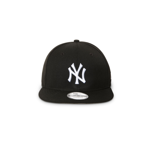 NEW YORK YANKEES BLACK 9FIFTY SNAPBACK Front view