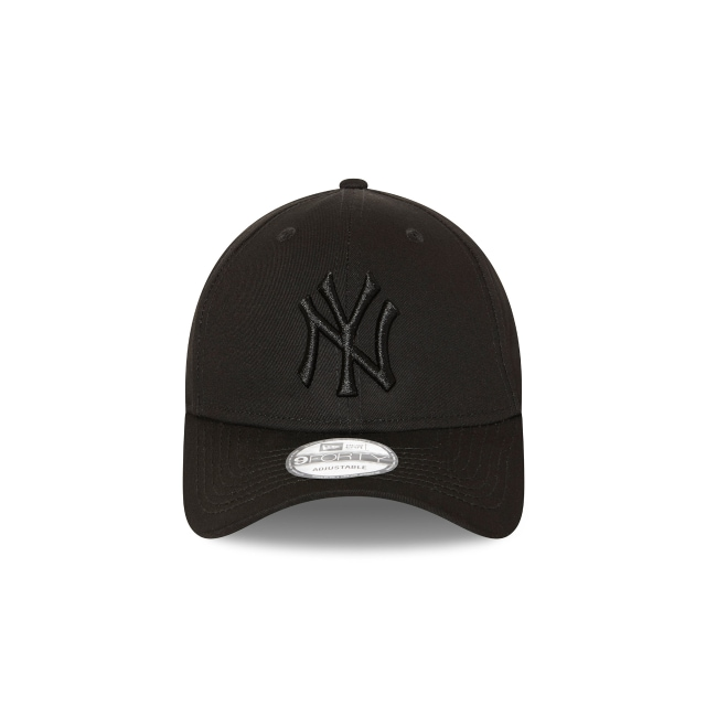 New York Yankees Black On Black 9forty | New York Yankees Baseball Caps | New Era Cap