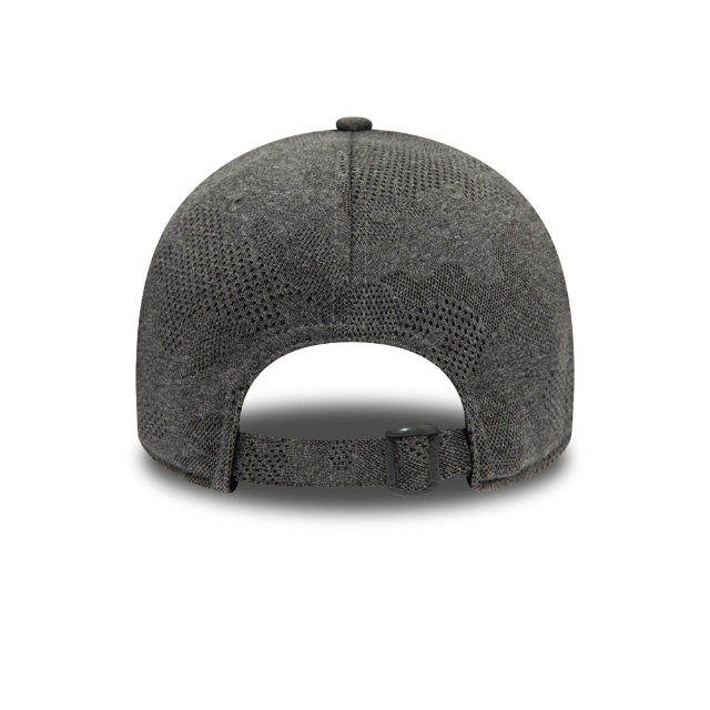 New York Yankees Engineered Plus Grey 9forty | New York Yankees Baseball Caps | New Era Cap