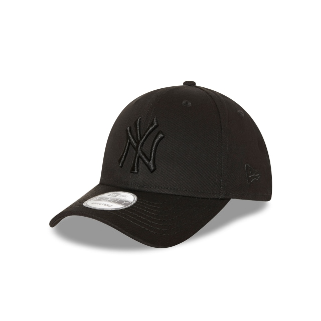 New York Yankees Black On Black 9forty | New Era Cap