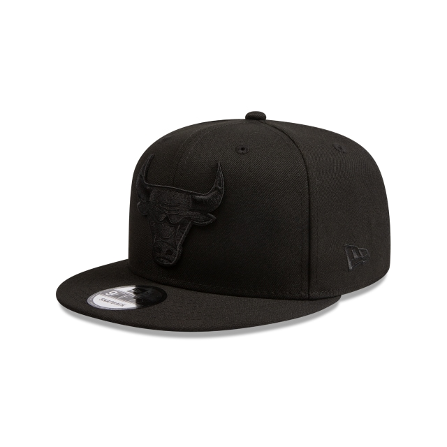 Chicago Bulls Black On Black 9fifty Snapback | New Era Cap