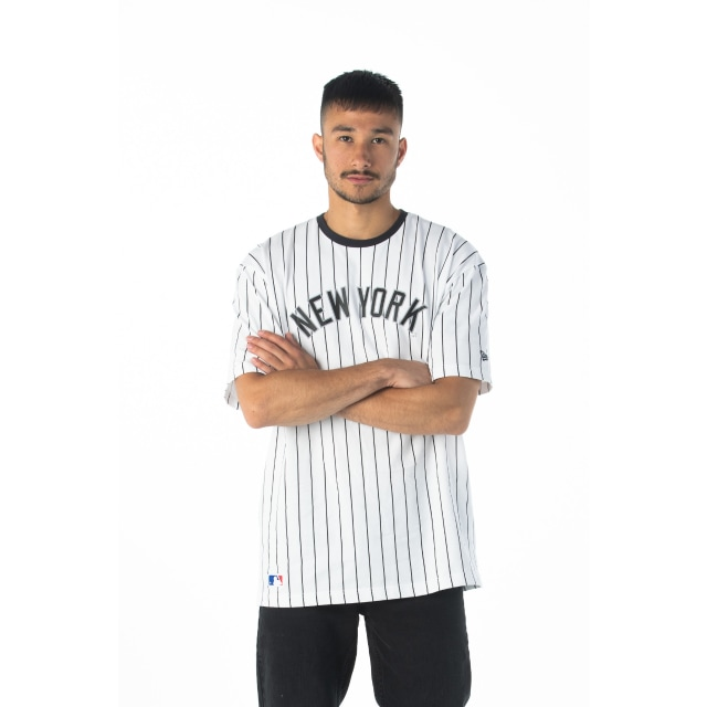 New York Yankees Oversized White Navy Pinstripe T-shirt | New Era Cap