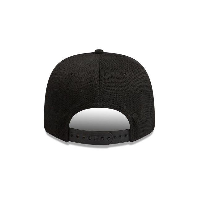 Collingwood Magpies Black On Black 9FIFTY Pre-curved Snapback | Collingwood Magpies Hats | New Era Cap