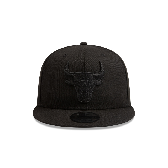 Chicago Bulls Black On Black 9FIFTY Snapback | Chicago Bulls Hats | New Era Cap
